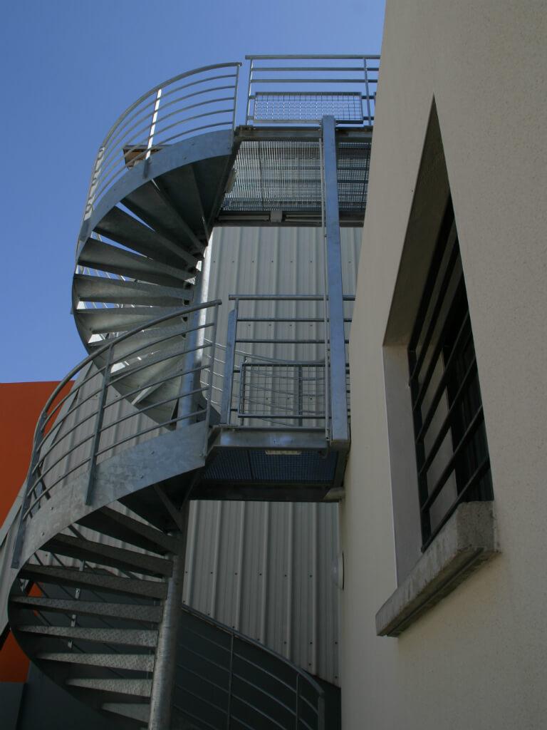 Escalier-metallique-exterieur-spirale